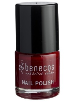 Vernis à ongles rouge cerise (cherry red)